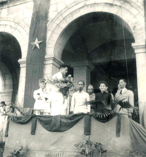 Chủ tịch Hồ Chí Minh tuyên bố với quốc dân sau khi đi Pháp về