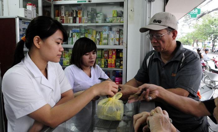 Giảm giá thuốc thông qua đấu thầu tập trung cấp quốc gia