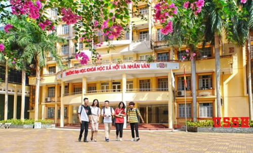 Thành lập trường THPT Chuyên Khoa học Xã hội và Nhân văn