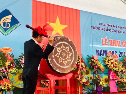 Trường CĐ Công nghệ và Thương mại Hà Nội khai giảng năm học mới