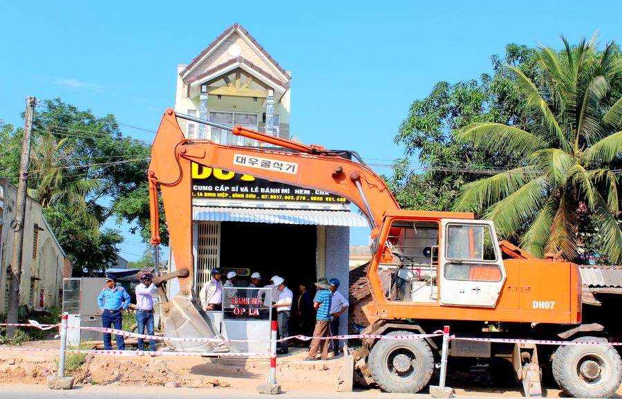 Bao giờ dự án nâng cấp, mở rộng Quốc lộ 1A đoạn qua tỉnh Quảng Ngãi hết vướng