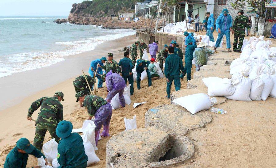 Bão số 6 gây mưa to đến rất to tại các tỉnh Quảng Ngãi đến Khánh Hoà