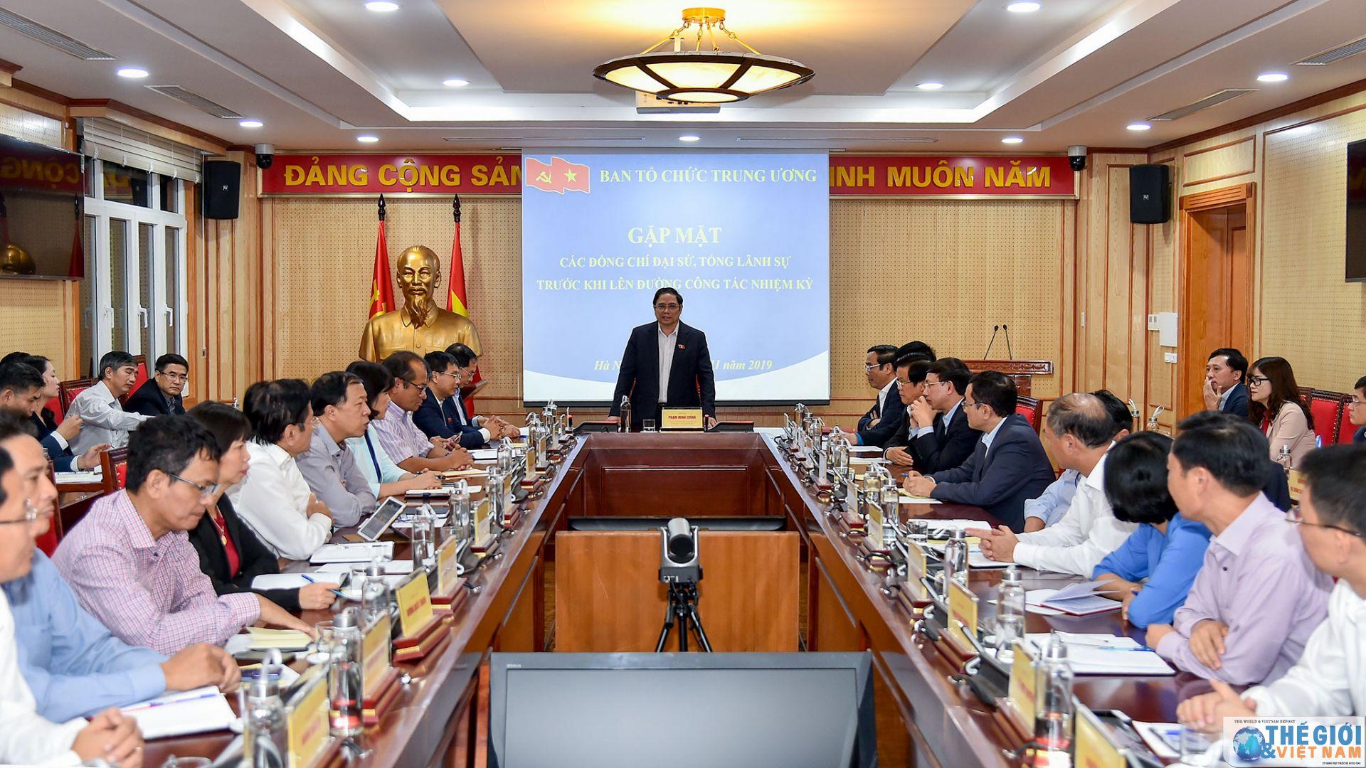 Trưởng ban Tổ chức Trung ương gặp mặt các Đại sứ, Tổng Lãnh sự nhiệm kỳ 2019 - 2022