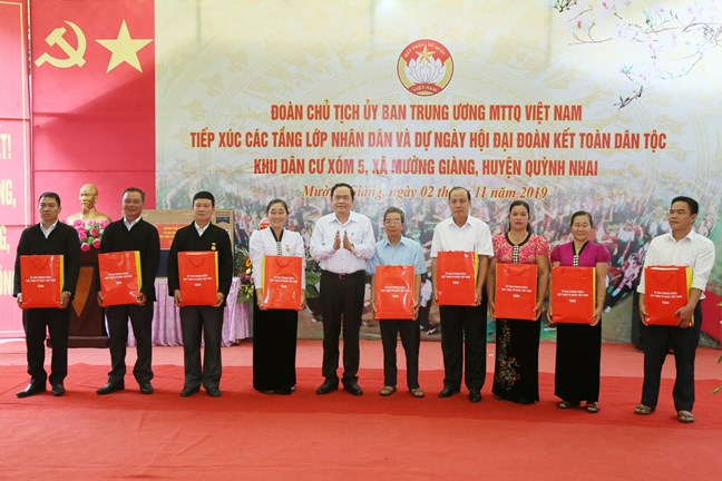 Thắm tình Ngày hội Đại đoàn kết toàn dân tộc tại Sơn La
