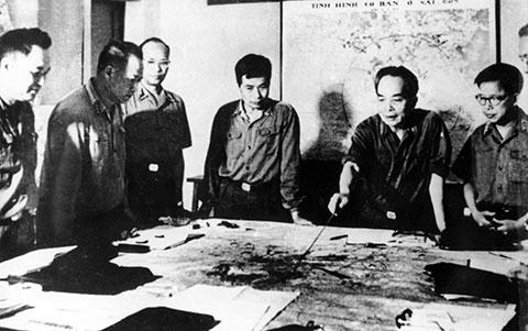 3 Chiến Dịch Lớn Cuộc Tổng Tiến Cong Va Nổi Dậy Mua Xuan 1975