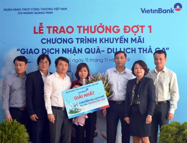 Trao thưởng chuyến du lịch Mỹ cho khách hàng VietinBank