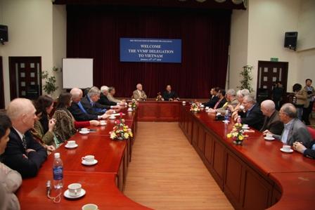 Đoàn Quỹ tưởng niệm cựu chiến binh Mỹ tại Việt Nam thăm và làm việc với Liên hiệp các tổ chức hữu nghị Việt Nam