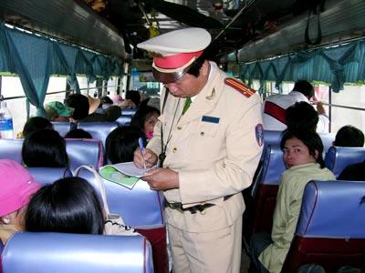 Thủ tướng Chính phủ chỉ đạo bảo đảm an ninh trật tự, an toàn giao thông trong dịp Tết Nguyên đán