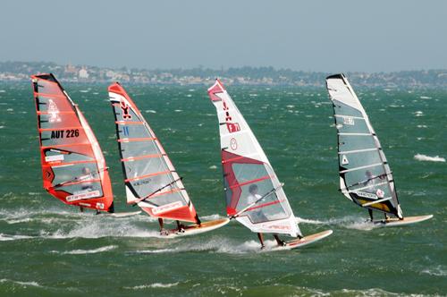 Lướt ván buồm - môn thể thao của biển