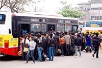 Hành khách đi lại sau Tết Choáng váng giá, hãi hùng xe