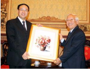 Đoàn đại biểu cấp cao Thành phố Thượng Hải Trung Quốc thăm TP Hồ Chí Minh
