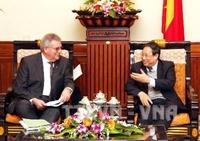 Phó Thủ tướng Phạm Gia Khiêm tiếp Đoàn Nhóm nghị sĩ Nghị viện Châu Âu