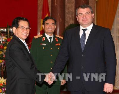 Chủ tịch nước Nguyễn Minh Triết tiếp Bộ trưởng Quốc phòng Liên bang Nga
