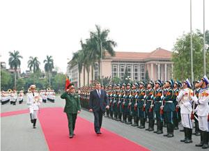 Bộ trưởng Bộ Quốc phòng Liên bang Nga thăm chính thức Việt Nam