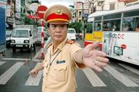 Tạo thói quen cho người dân chấp hành nghiêm chỉnh pháp luật về an toàn giao thông