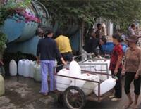 TP Hồ Chí Minh Người dân khát nước giữa cao điểm mùa nóng