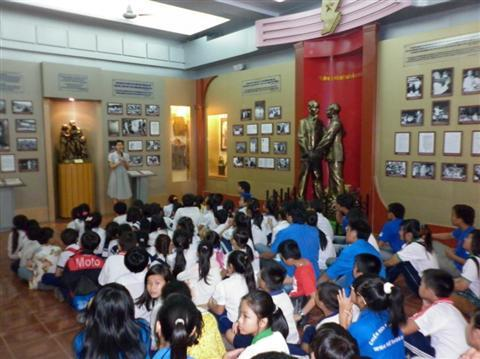 Dạy, học và thi môn Lịch sử - thực trạng và giải pháp
