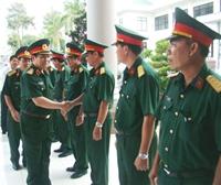 Thượng tướng Ngô Xuân Lịch thăm, làm việc với Bộ CHQS các tỉnh Cà Mau, Kiên Giang và An Giang