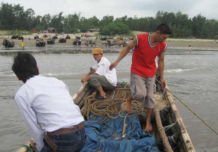 Huyện Quảng Xương Thanh Hóa  Kiên quyết xử lý nạn khai thác tận diệt thuỷ sản tại vùng bãi ngang