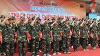 Học kỳ quân đội miễn phí cho học sinh nghèo