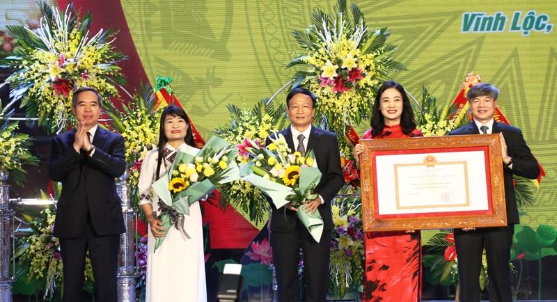 Huyện Vĩnh Lộc Thanh Hóa đón nhận đạt chuẩn nông thôn mới