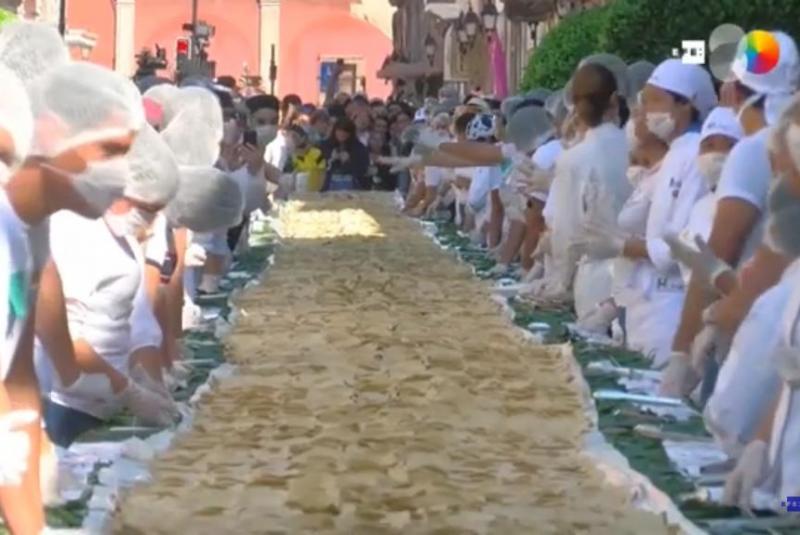 Mexico thiết lập Kỷ lục thế giới mới với chiếc bánh dài hơn 100m