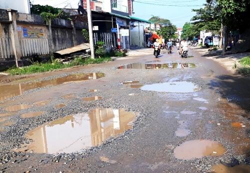 Khi nào đường dân sinh trên cao tốc Đà Nẵng- Quảng Ngãi được trả lại cho dân
