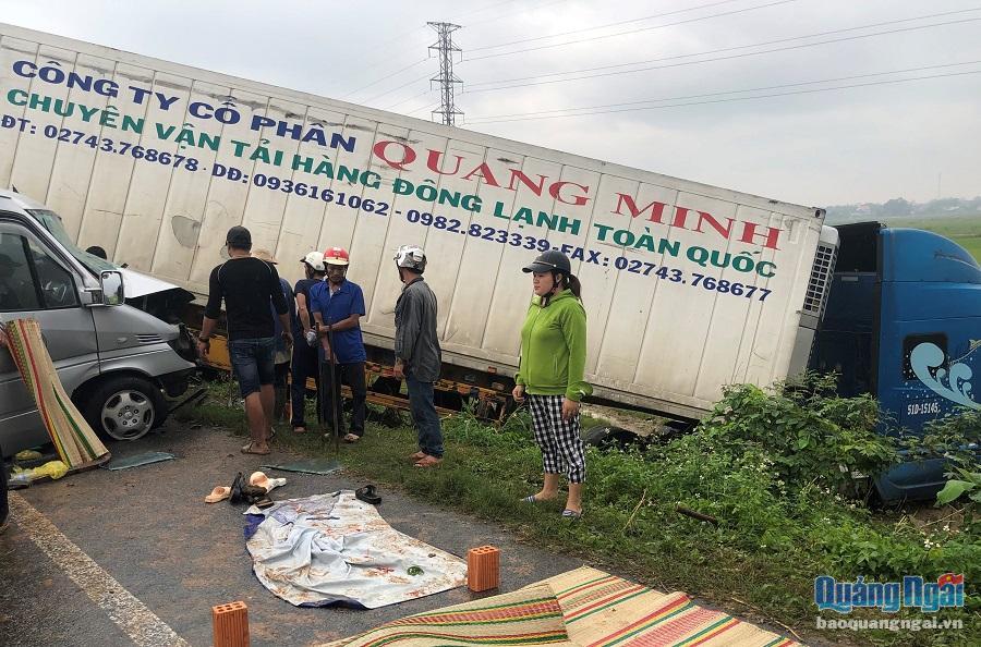 Quảng Ngãi Tai nạn đặc biệt nghiêm trọng, 13 người thương vong