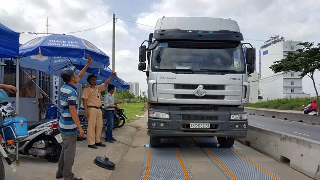 Làm rõ nghi vấn CSGT Đồng Nai  bảo kê xe quá tải