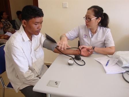 Lập Thạch Tăng cường cơ sở vật chất, cán bộ cho các đơn vị y tế cấp huyện, xã