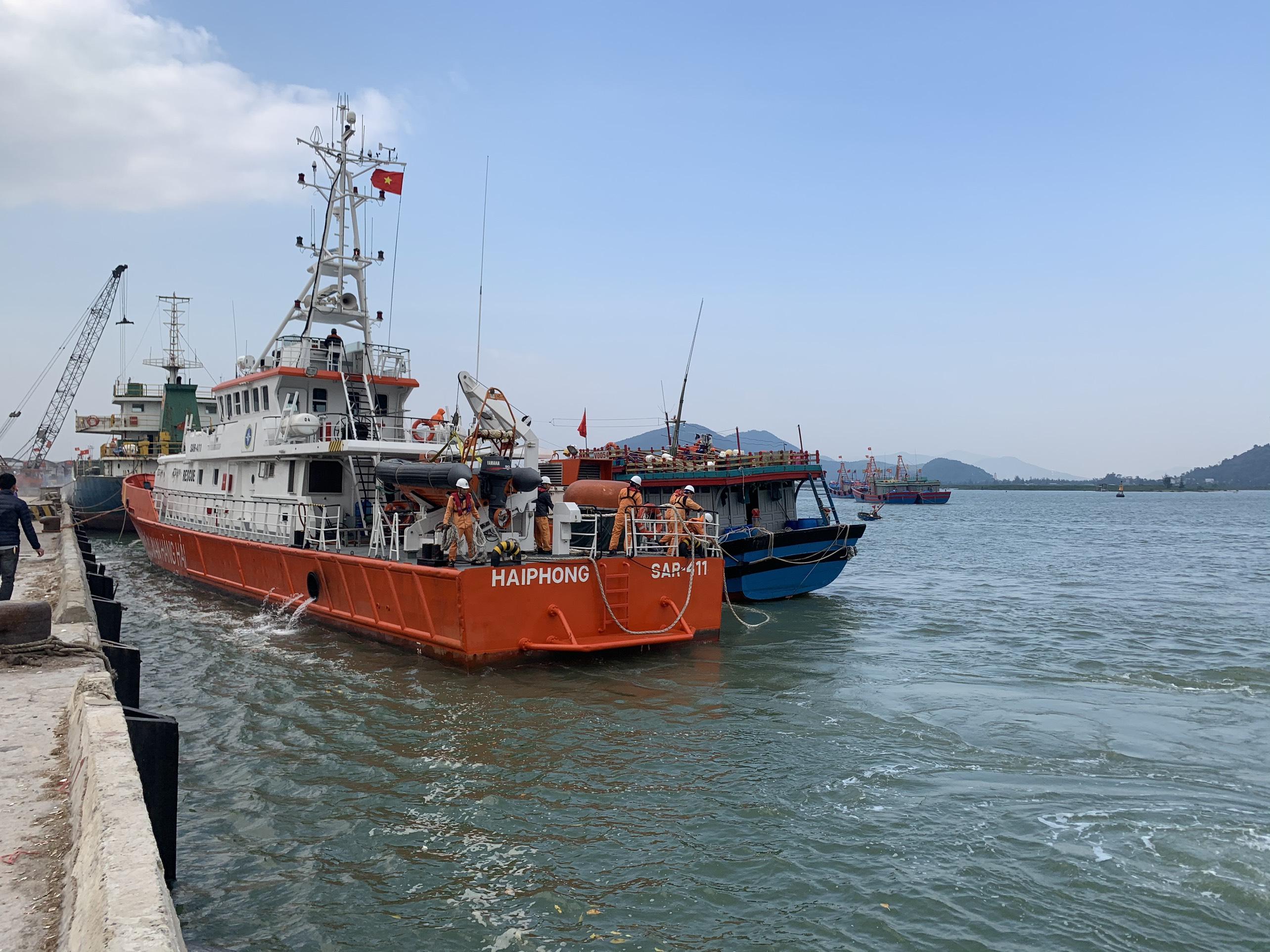 Cứu nạn thành công thuyền viên gặp nạn trên biển