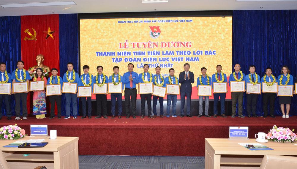 Tuyên dương 65 đoàn viên thanh niên tiên tiến toàn Tập đoàn Điện lực Việt Nam