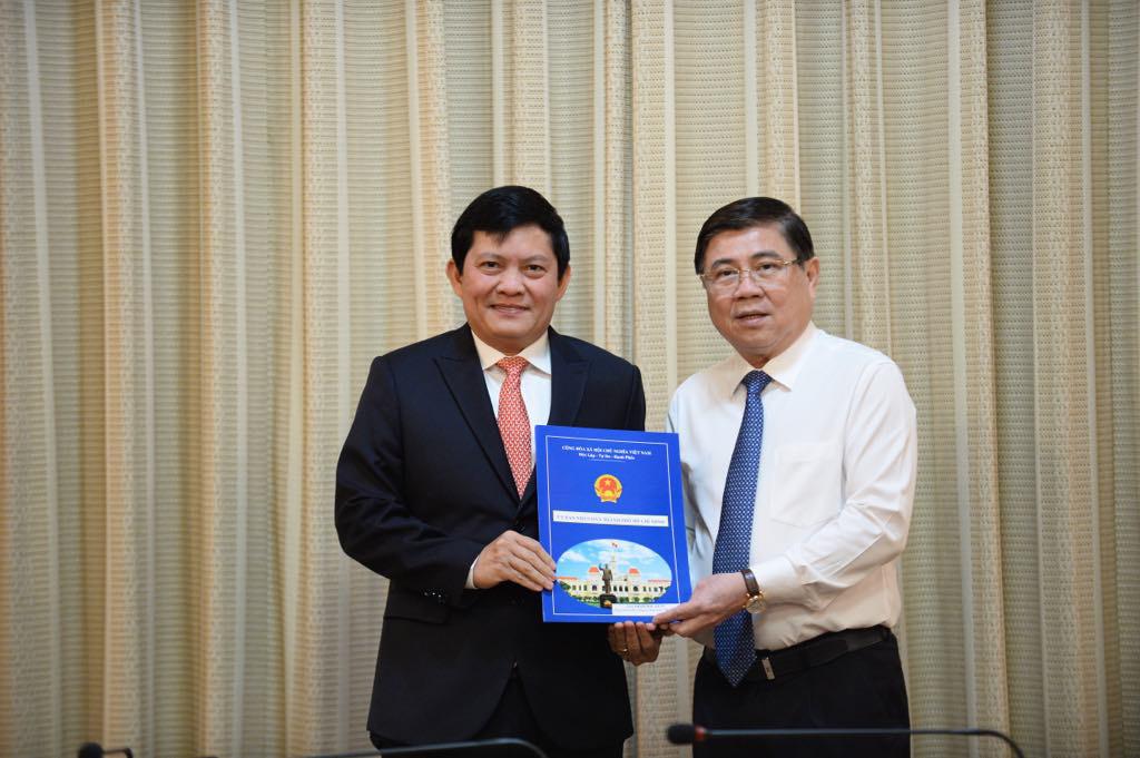 TP Hồ Chí Minh trao quyết định bổ nhiệm nhân sự mới