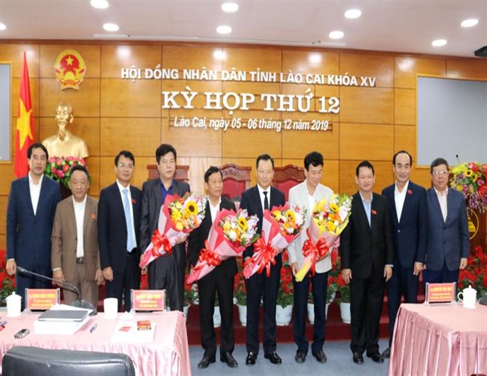 Đồng chí Hoàng Quốc Khánh được bầu giữ chức Phó Chủ tịch UBND tỉnh Lào Cai
