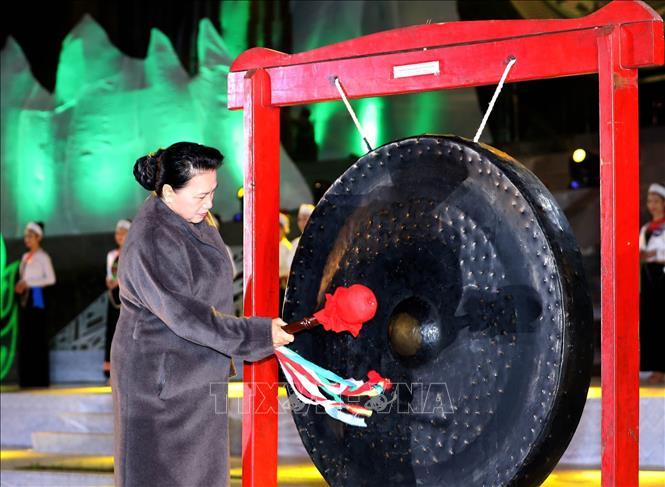 Tôn vinh bản sắc văn hóa, quảng bá tiềm năng du lịch tỉnh Hòa Bình