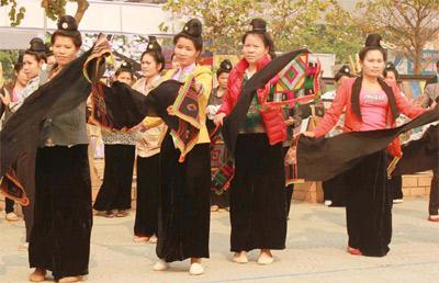 Gắn phát triển du lịch cộng đồng với bảo tồn bản sắc văn hóa