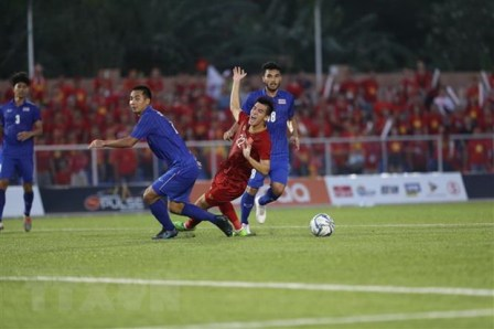 Thủ tướng chúc mừng đội tuyển bóng đá U22 nam và nữ Việt Nam