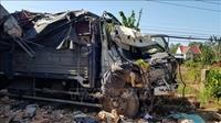 Bình Phước Xe tải tông sập nhà dân