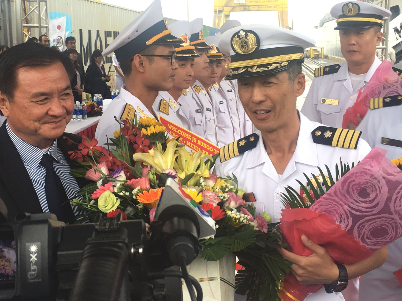 Tàu tự vệ trên biển Nhật Bản thăm Ðà Nẵng