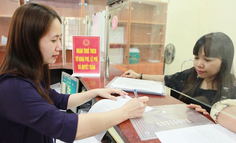 Áp dụng biện pháp mạnh đối với doanh nghiệp chây ì nợ thuế và bảo hiểm xã hội