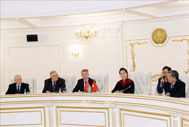 Chủ tịch Quốc hội Nguyễn Thị Kim Ngân hội đàm với lãnh đạo Đảng Cộng sản Belarus