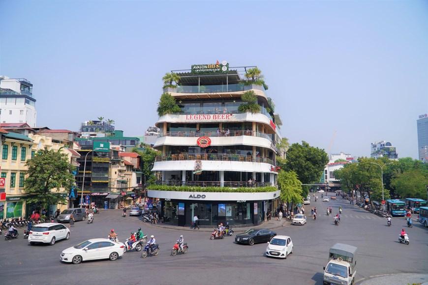 Hà Nội có mưa nhỏ vài nơi, Trung Bộ có mưa rào, dông