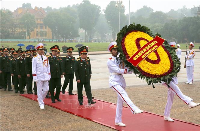 Đoàn đại biểu Quân ủy Trung ương, Bộ Quốc phòng vào Lăng viếng Chủ tịch Hồ Chí Minh