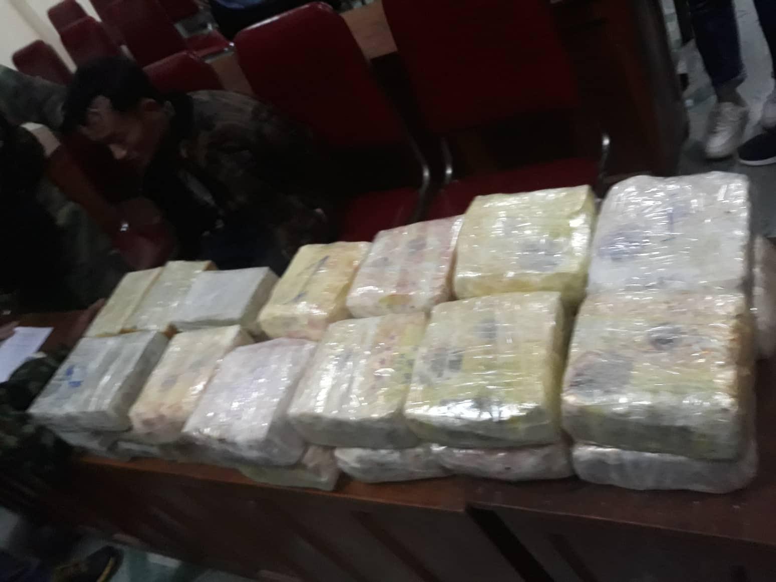 Nghệ An Bắt giữ 2 đối tượng vận chuyển trái phép 30 bánh hêrôin và 18 kg ma túy đá