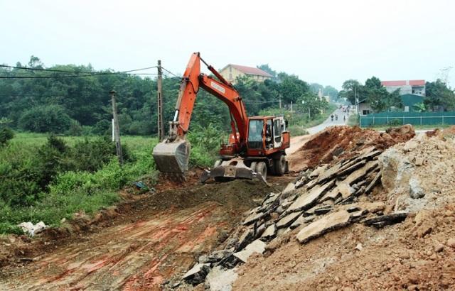 Vướng mắc thực hiện giải phóng mặt bằng, nhiều dự án chậm tiến độ