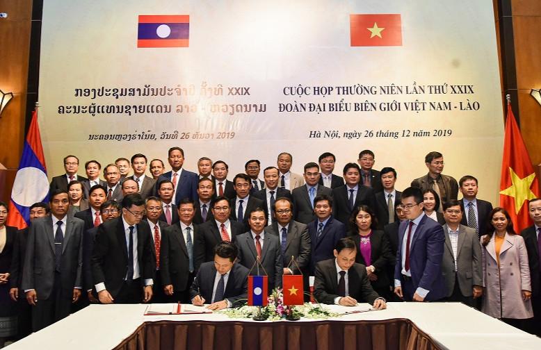Việt Nam- Lào Bảo vệ tốt đường biên, mốc giới, giữ ổn định tình hình an ninh, trật tự trong khu vực biên giới