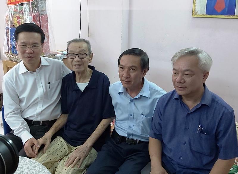 Đồng chí Võ Văn Thưởng chúc Tết văn nghệ sĩ, trí thức TP Hồ Chí Minh