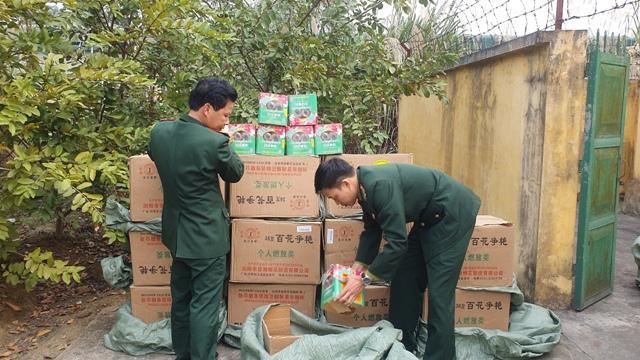 Lào Cai Bắt giữ gần 700 kg pháo lậu