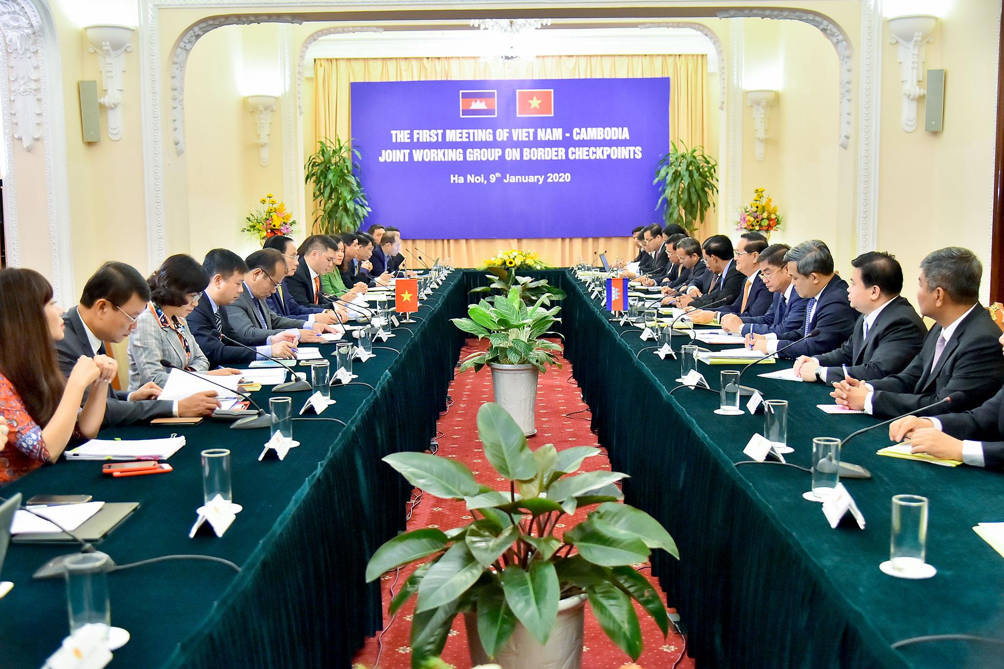 Cuộc họp vòng I Nhóm công tác hỗn hợp về cửa khẩu biên giới trên đất liền Viêt Nam - Campuchia