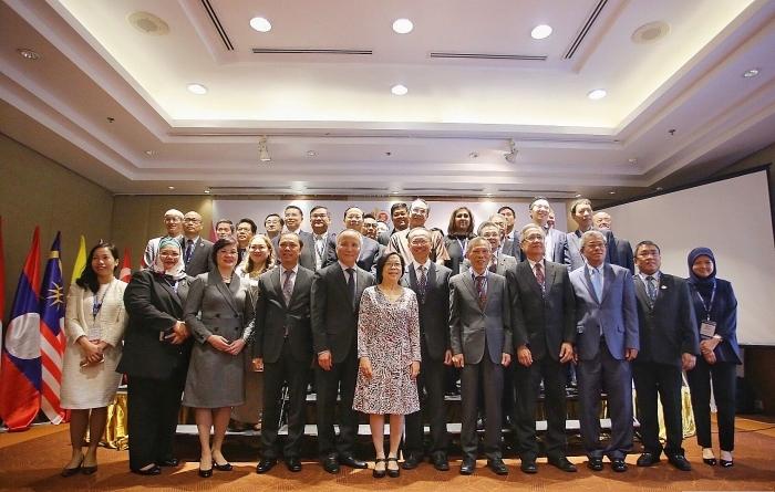 Thúc đẩy thương mại và đầu tư nội khối vì một ASEAN gắn kết và chủ động thích ứng
